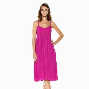 NWOT $349 Trina Turk Pink Vardea Pleated Dress 6